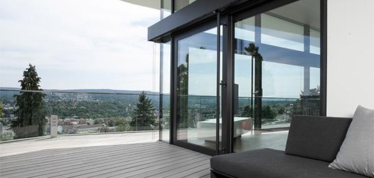 Loggia mit Blick in den Schwarzwald, Dachterrasse in Aussichtslage