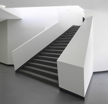 Neue Zugangstreppe